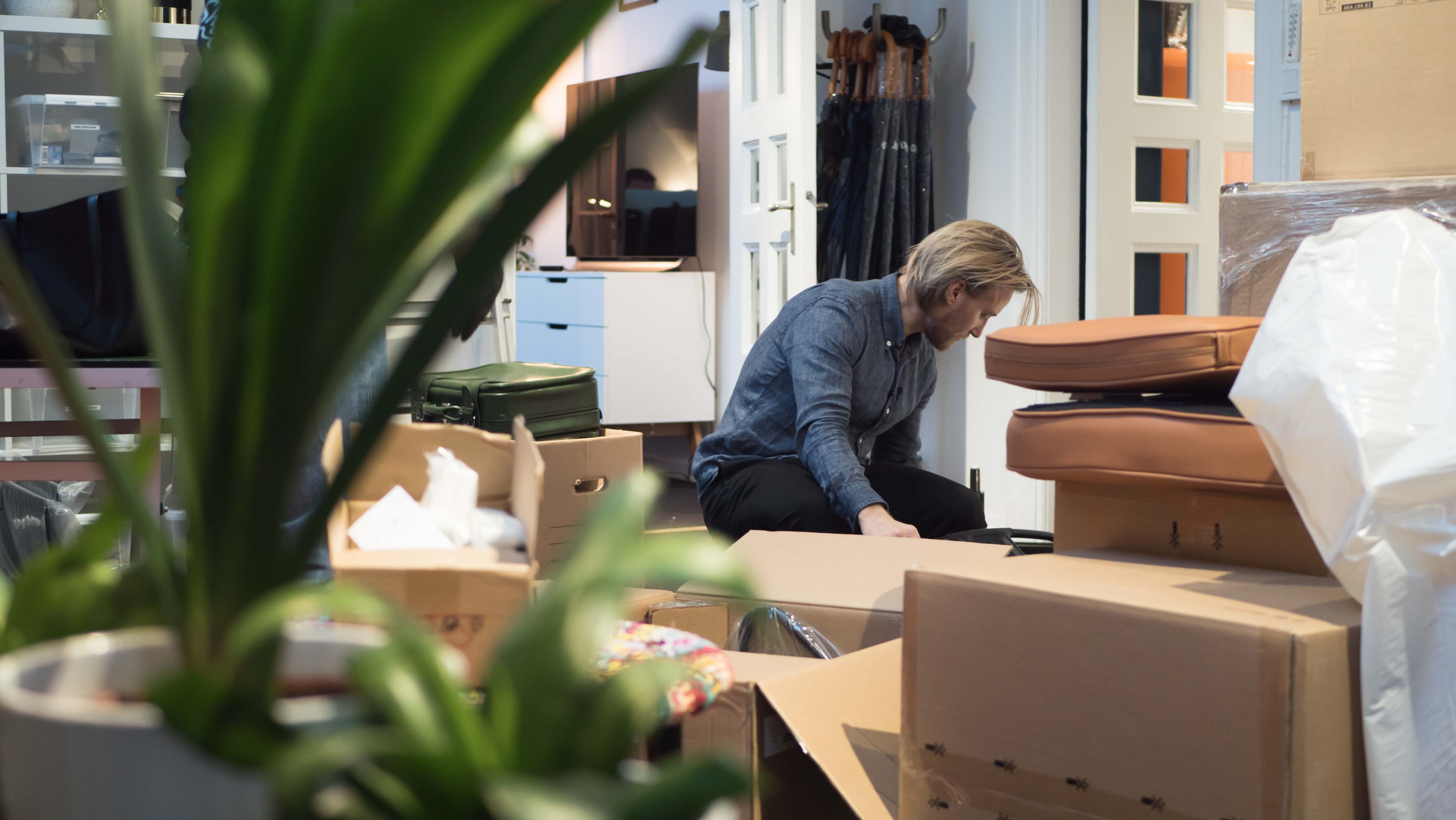 Mattias in the making of new office chairss