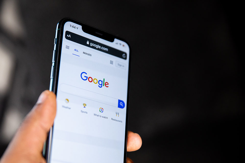 Google search bar open on cell phone